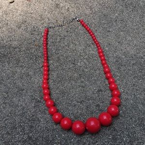 Jewelry - Vintage red plastic beaded necklace